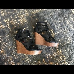 G by Guess Dodge Wedge Heels